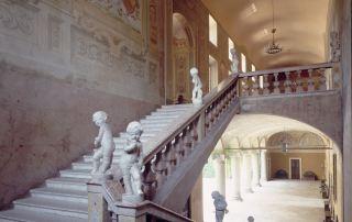 Scalone della Rocca di Soragna, ca. 1980-1997 (Foto: Listri/Corbis)